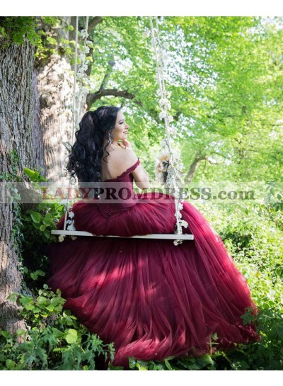 2020 New Arrival Tulle Burgundy Off Shoulder Sweetheart Lace Up Back Ball Gown Prom Dresses
