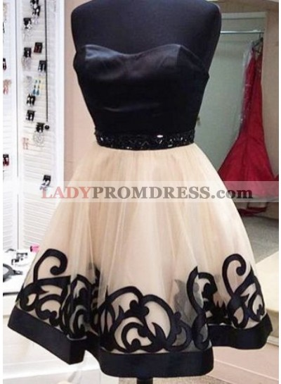 A-Line Sweetheart Short Light Champagne Lace Beading Homecoming Dress 2020