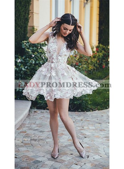 Princess/A-Line Deep V-Neck Sleeveless White Tulle Homecoming/Prom Dresses with Appliques