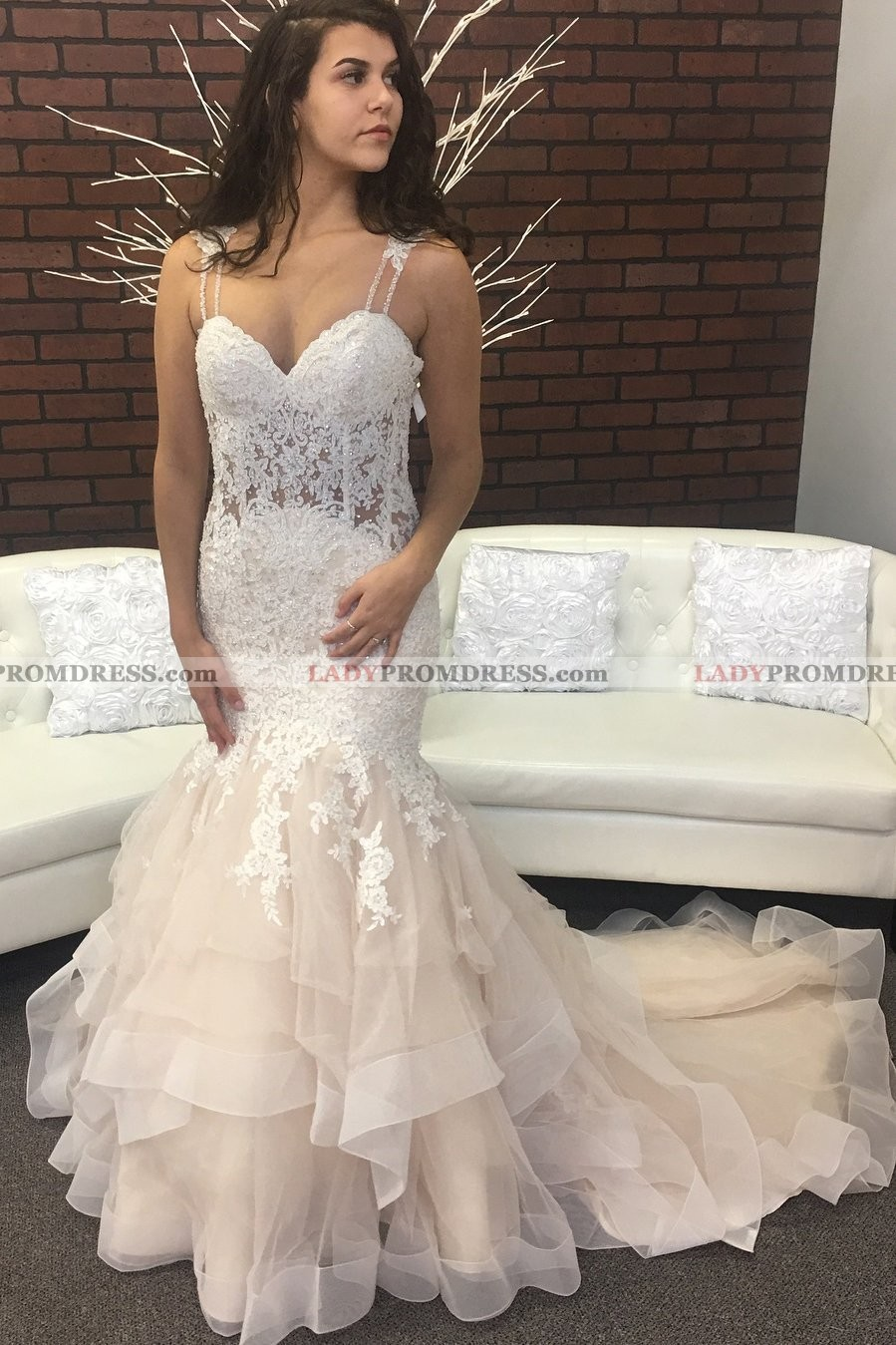 Sexy Mermaid Tulle Sweetheart Lace Layered Champagne Wedding Dresses 2019