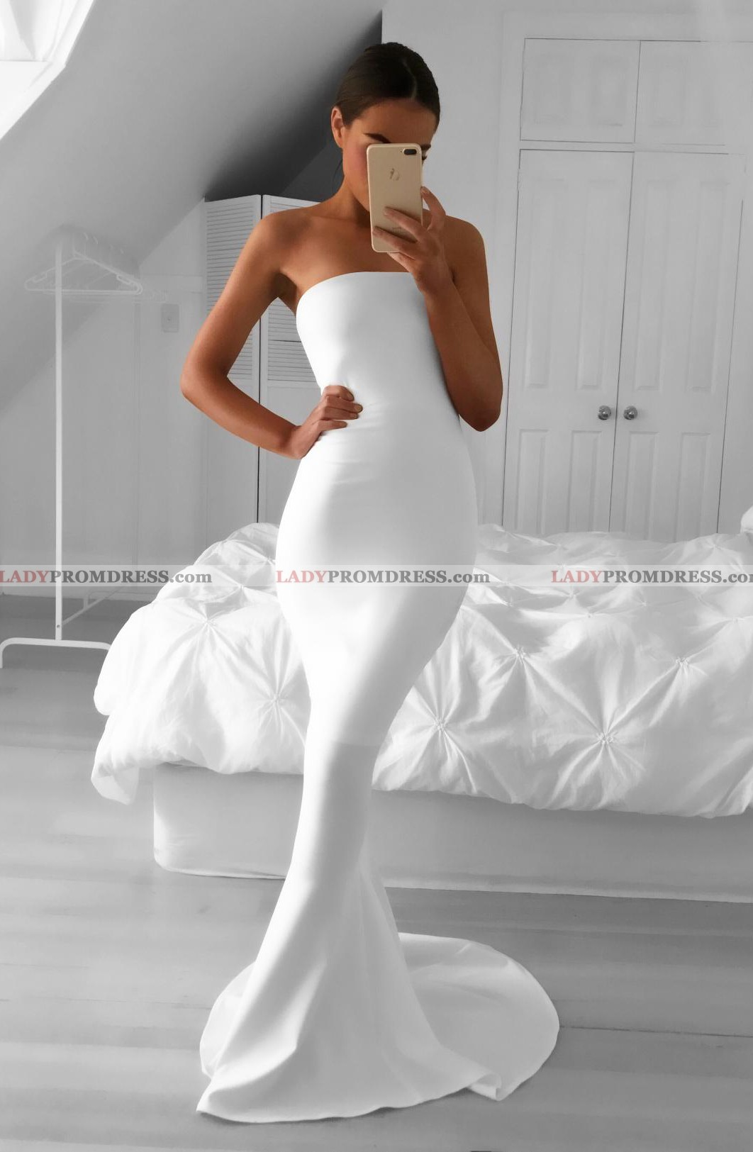 d5b5ec50bac5 White Prom Dresses Mermaid