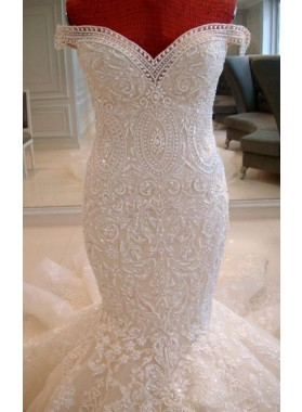 Mermaid Satin Off Shoulder Chapel Train Wedding Dresses / Gowns With Beading
