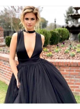 2019 New Designer A Line Tulle Black Halter Deep V Neck Prom Dresses