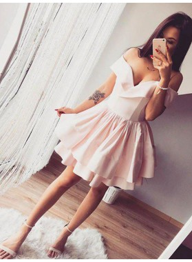 2019 Ball Gown Sweetheart Off-The-Shoulder Pleated Layers Cut Short/Mini Homecoming Dresses