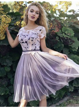 2019 A-Line/Princess Scoop Neck Short Sleeve Lace Tulle Knee-Length Homecoming Dresses