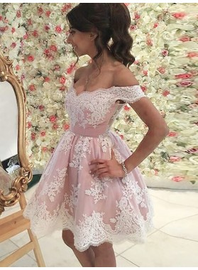 Off-The-Shoulder Lace Cut Short Mini Applique Tulle Homecoming Dresses