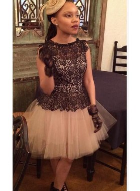 Sleeveless Jewel A Line Pleated Lace Black Tulle Hollow Flowers Homecoming Dresses