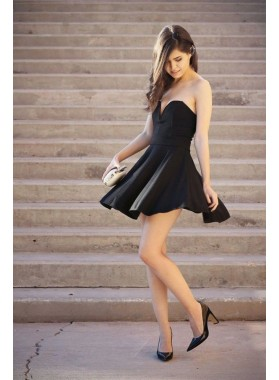 Strapless Sweetheart Black A Line Sweetheart Satin Backless Pleated Short Homecoming Dresses