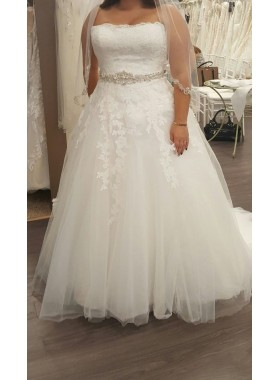 2020 Cheap A Line Strapless Beaded Sash Tulle Plus Size Wedding Dresses With Appliques