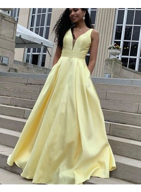 2021 A Line Satin Daffodil Bowknot Sweetheart Pockets Long Prom Dress