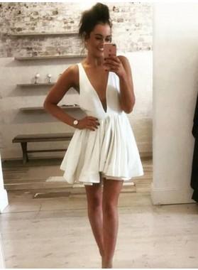 A Line Chiffon White Deep V Knee Length Short Homecoming Dresses 2021