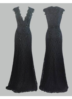 2019 Junoesque Black Beading V-Neck Column/Sheath Lace Prom Dresses