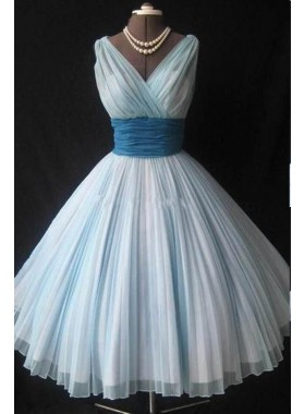 2019 Unique White Pleated V-Neck A-Line/Princess Tulle Prom Dresses