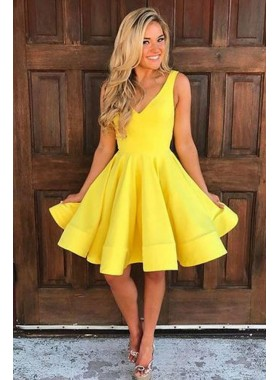 Knee Length Daffodil Princess/A-Line Satin Short Prom Dresses