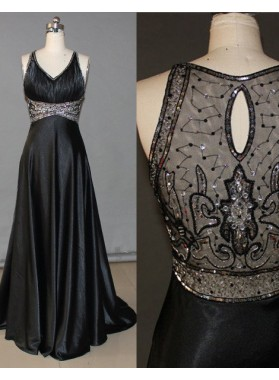 2019 Junoesque Black A-Line/Princess V-Neck Sleeveless Natural Prom Sweep/Brush Train Prom Dresses