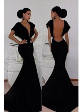 2019 Junoesque Black Prom Dresses Mermaid/Trumpet V-Neck Backless Taffeta