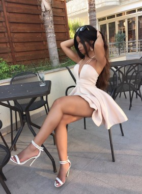 Deep V-neck Ivory Princess/A-Line Sleeveless Short Prom Dresses