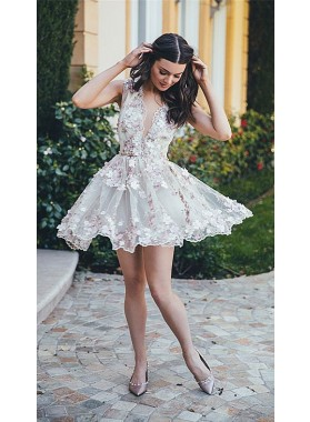 A-Line Deep V-Neck Sleeveless White Tulle Homecoming Dress 2019 with Appliques