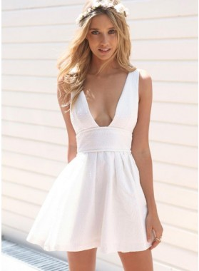A-Line Deep V-Neck White Satin Homecoming Dress 2019