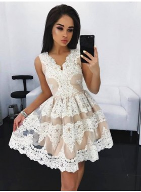 A-Line V-Neck Appliques White Homecoming Dress 2019