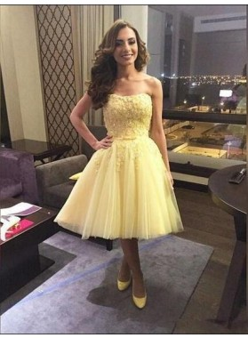 A-Line Strapless Above-Knee Daffodil Tulle Homecoming Dress 2020 with Appliques