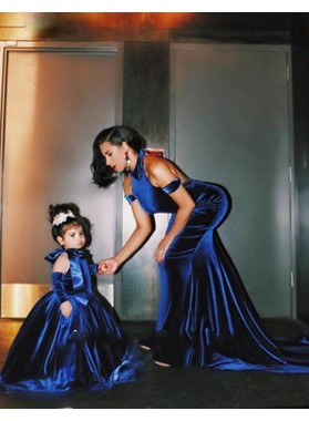 LadyPromDress 2019 Blue Halter Court-Train Open-Back Mermaid/Trumpet Velvet Prom Dresses