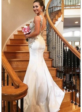 2019 Unique White Prom Dresses Round Neck Crystal Backless Mermaid/Trumpet Satin