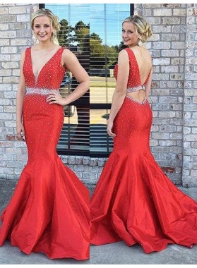 2019 Gorgeous Red Crystal V-Neck Sweep Train Mermaid/Trumpet Satin Prom Dresses