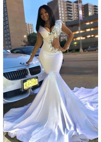 49b91477bdf 2019 Sexy White V-neck Mermaid Trumpet Beaded Prom Dresses