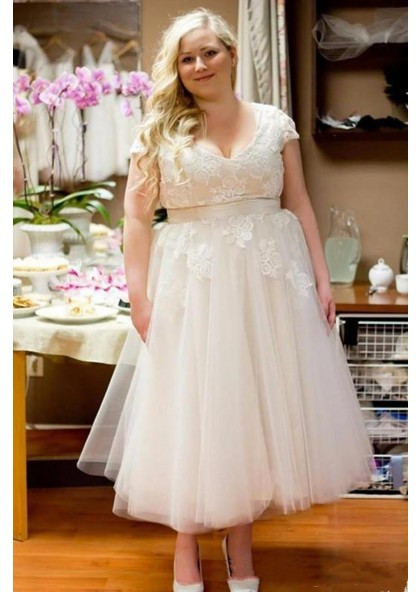 2020 Cheap A Line Tulle Tea Length Capped Sleeves Lace Plus Size Short  Wedding Dresses