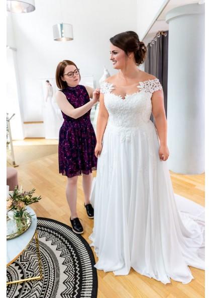 2020 Amazing A Line Chiffon Scoop Off Shoulder Lace Plus Size Beach Wedding Dresses,Trusted Online Wedding Dress Sites